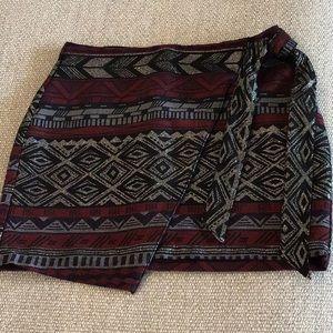 Express back zip, side tie skirt, size 6